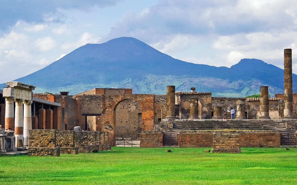 amalfi coast and pompeii full day tour from naples-2