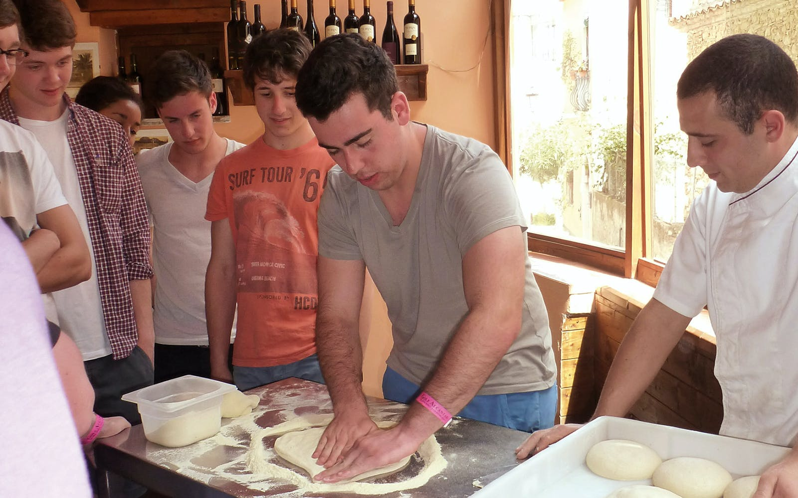 pizza making class in naples-2