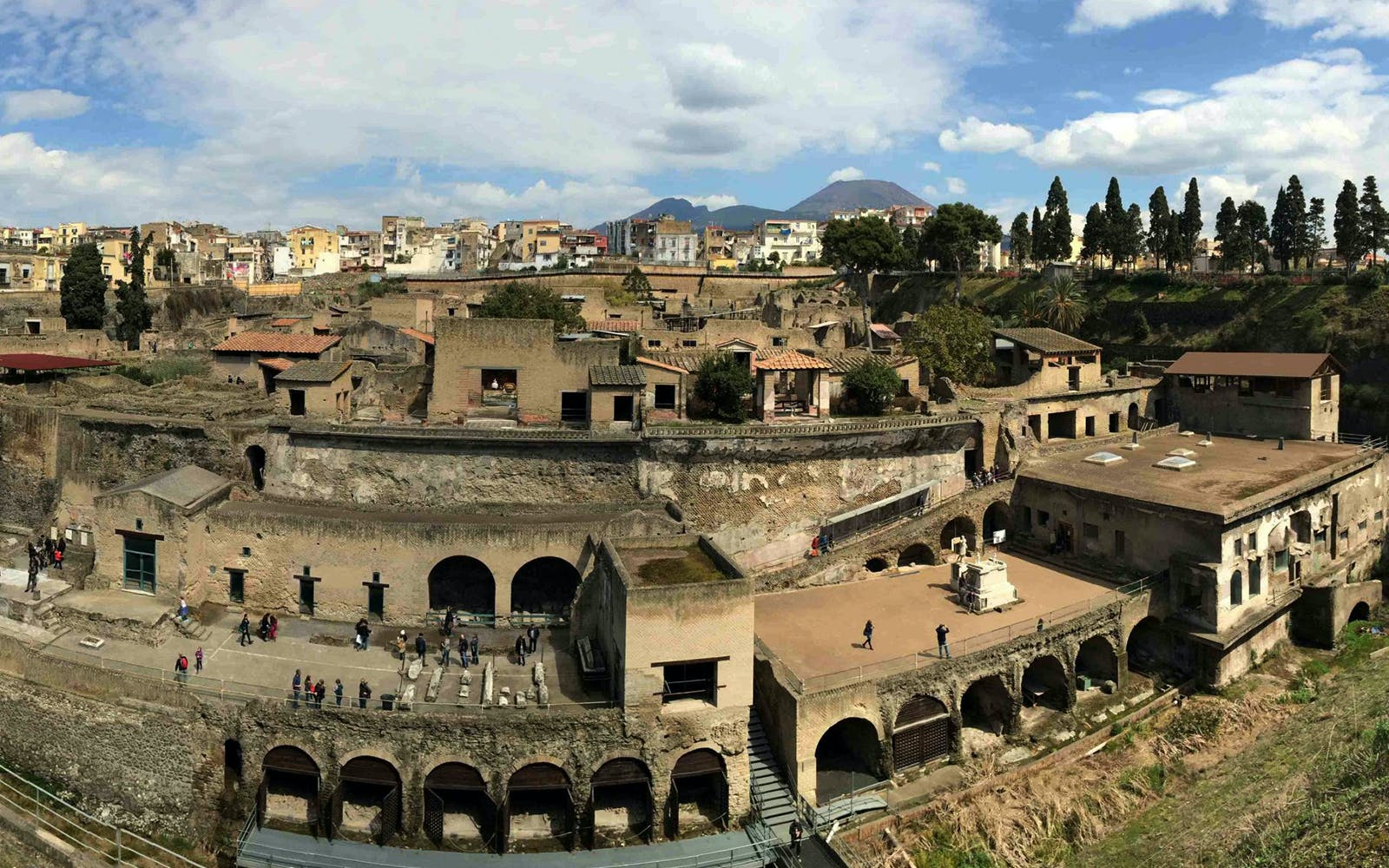 pompeii and herculaneum full day archaeological excursion from naples-3