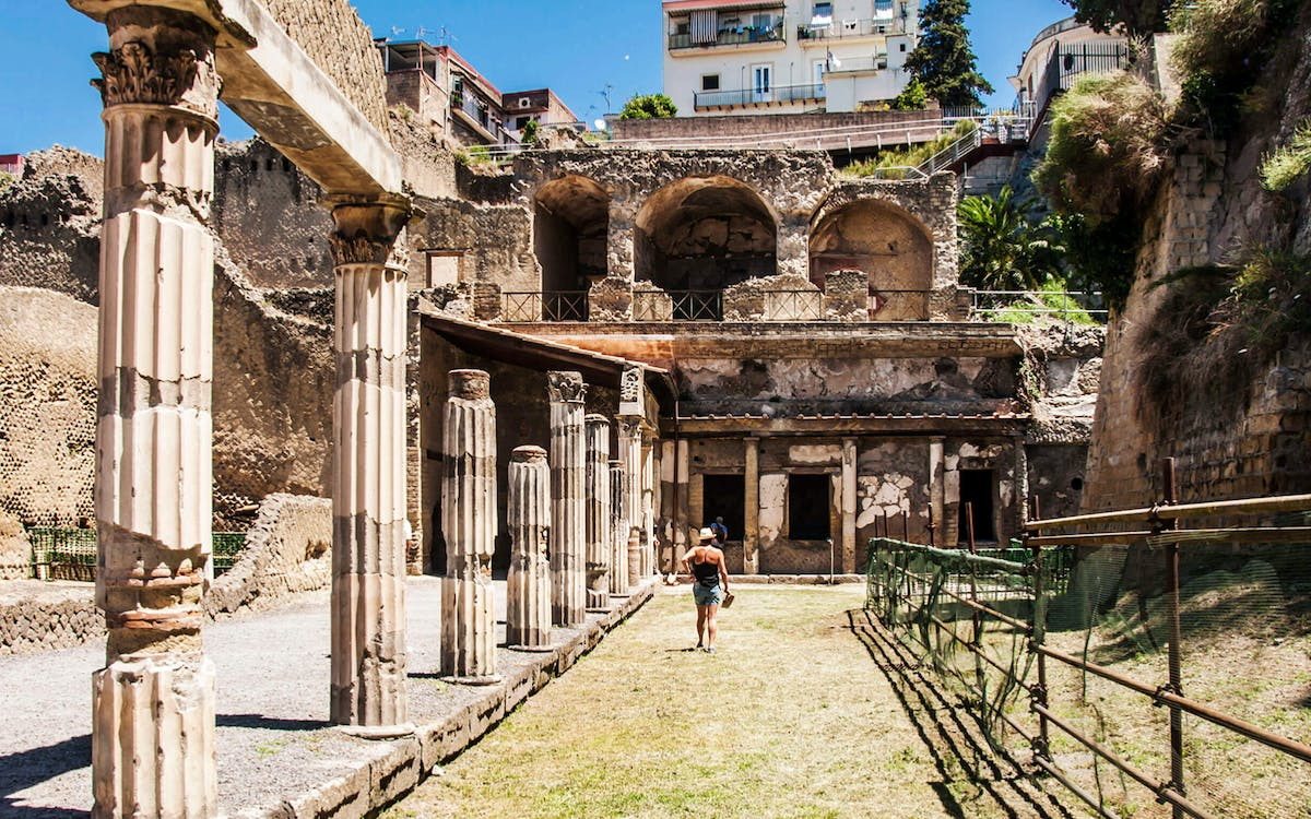 herculaneum half day tour from naples-1