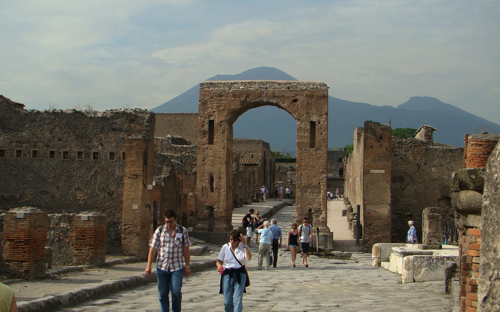 pompeii guided tour with transfers from naples-4