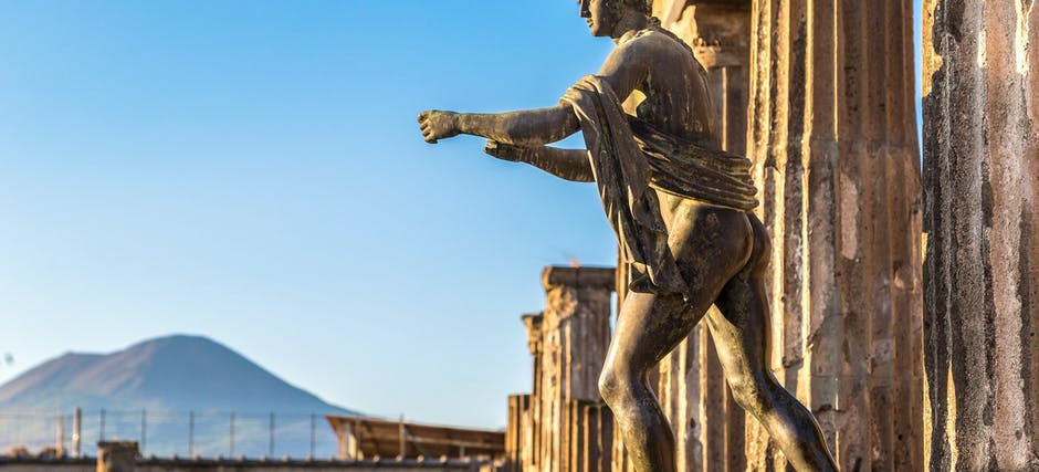 Pompeii Guided Tour with Transfers From Naples