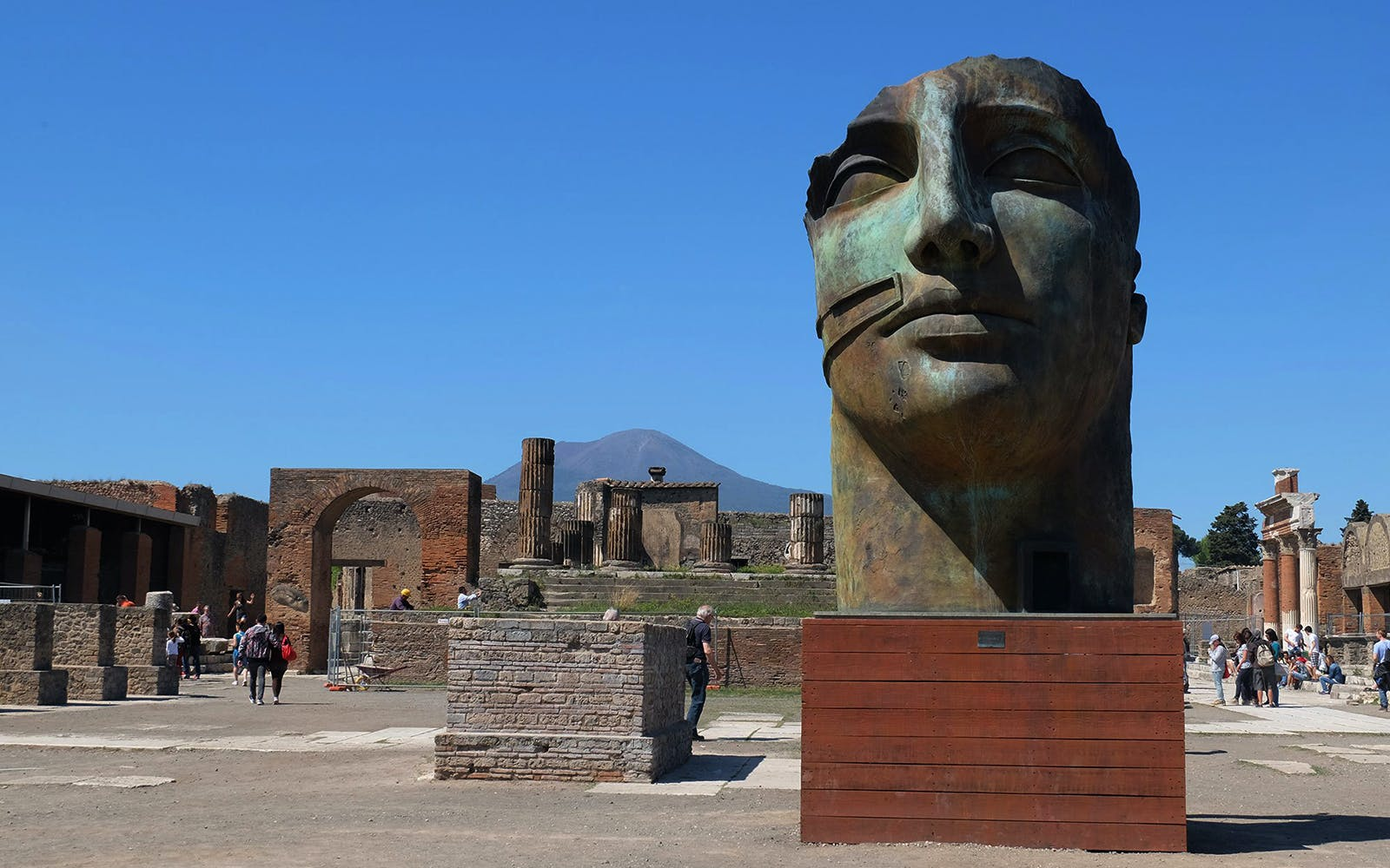 pompeii excavations and naples full day tour -2