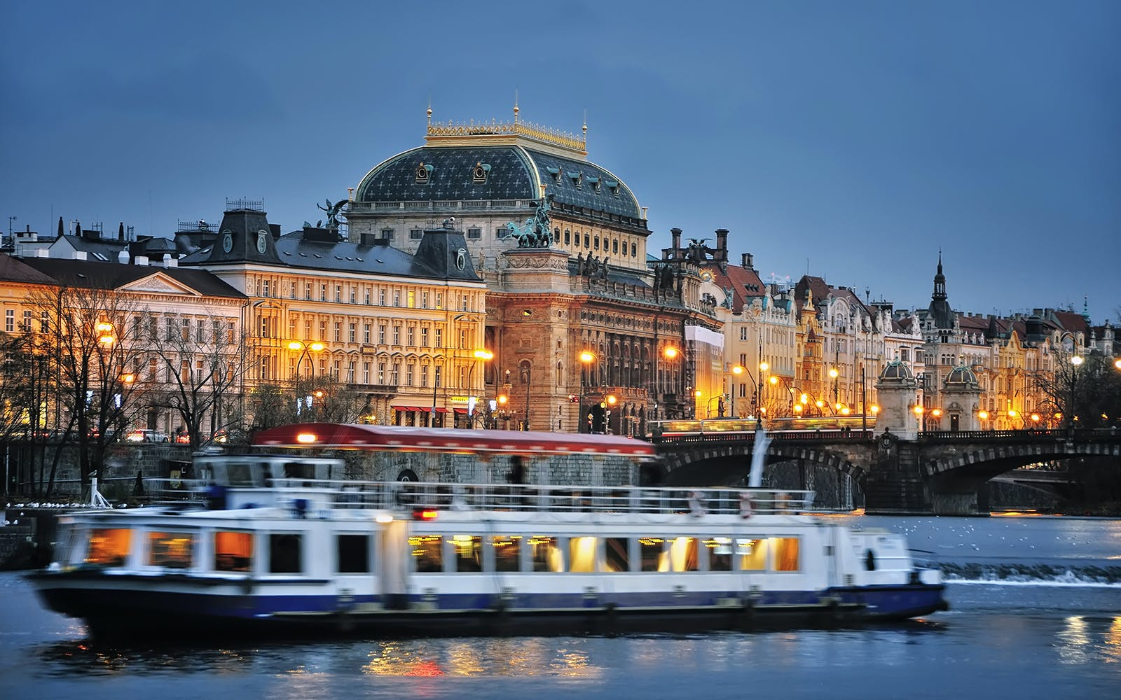canal river cruise with prague castle complex tour-1