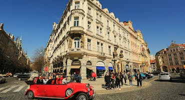 Hop-On, Hop-Off Prague Bus Sightseeing Tour