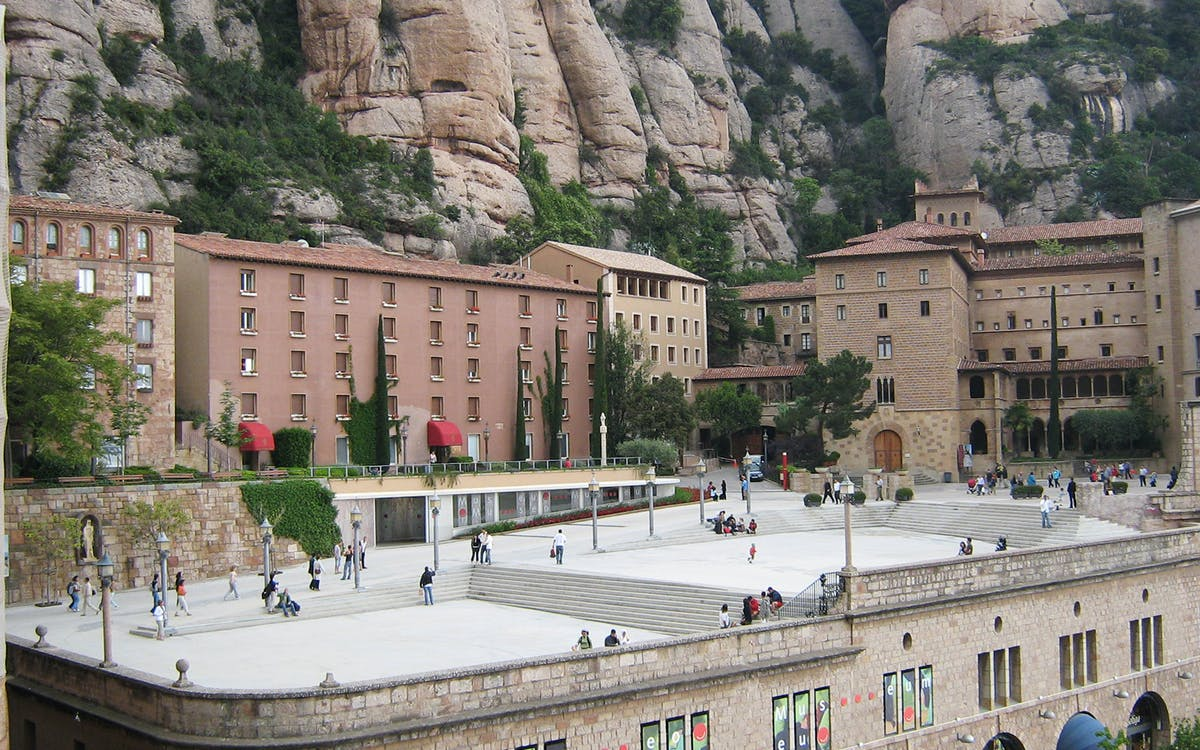 early access guided tour to montserrat monastery from barcelona-2