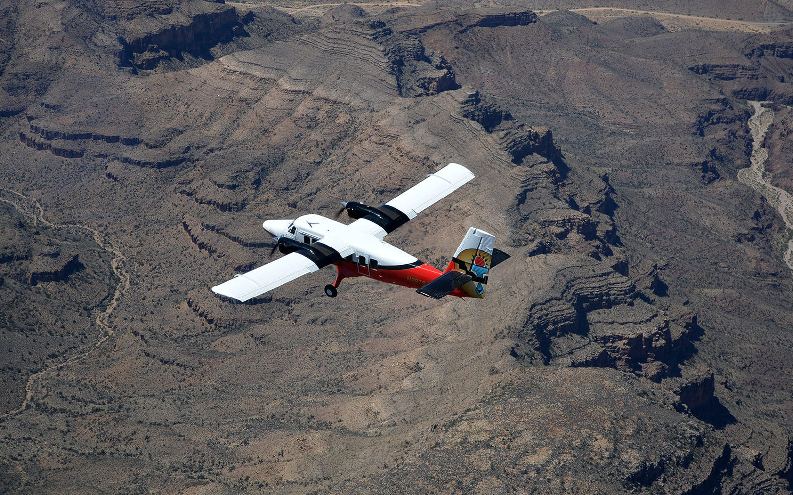 grand canyon airplane tour with optional landing and skywalk-2