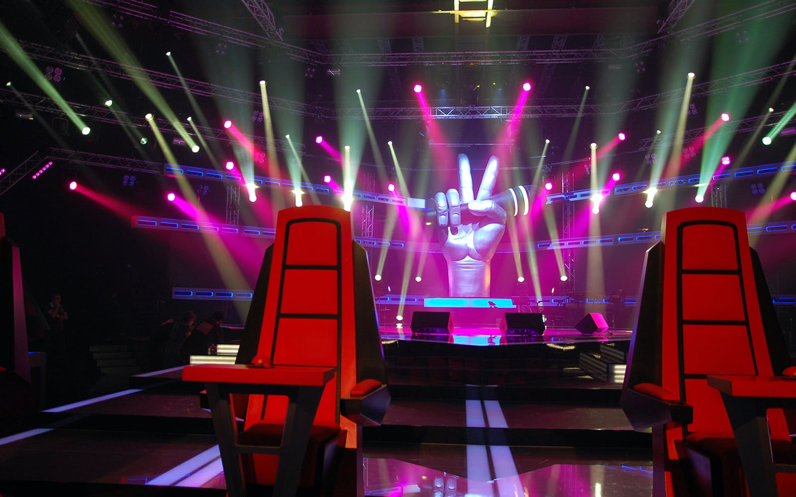 the voice: neon lights-2