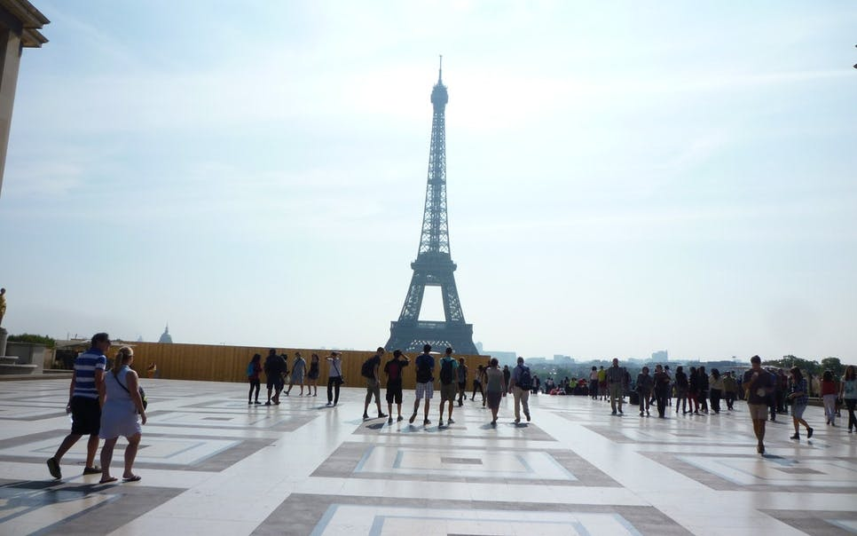 skip the line: eiffel tower summit visit with host-2