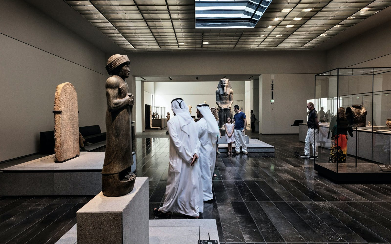 official guided tour of louvre abu dhabi-3