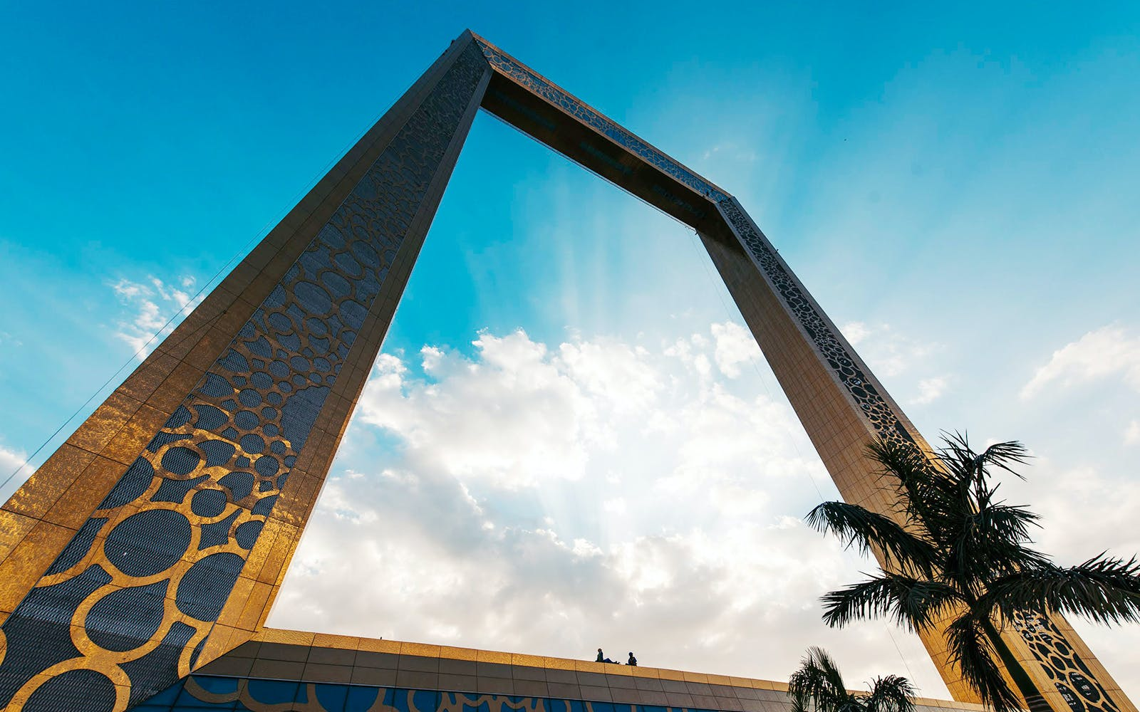 dubai frame with hotel transfers-1