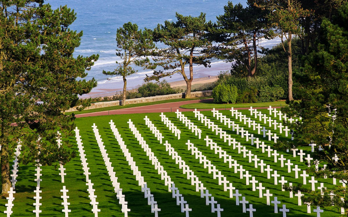 wwii: normandy u.s. d-day beaches full day trip from paris -1