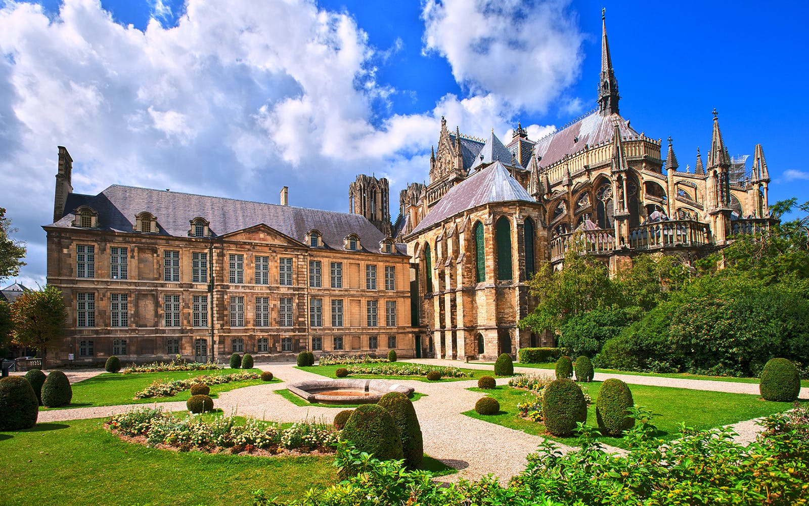 guided tour of the reims champagne region from paris with hotel pickup-2