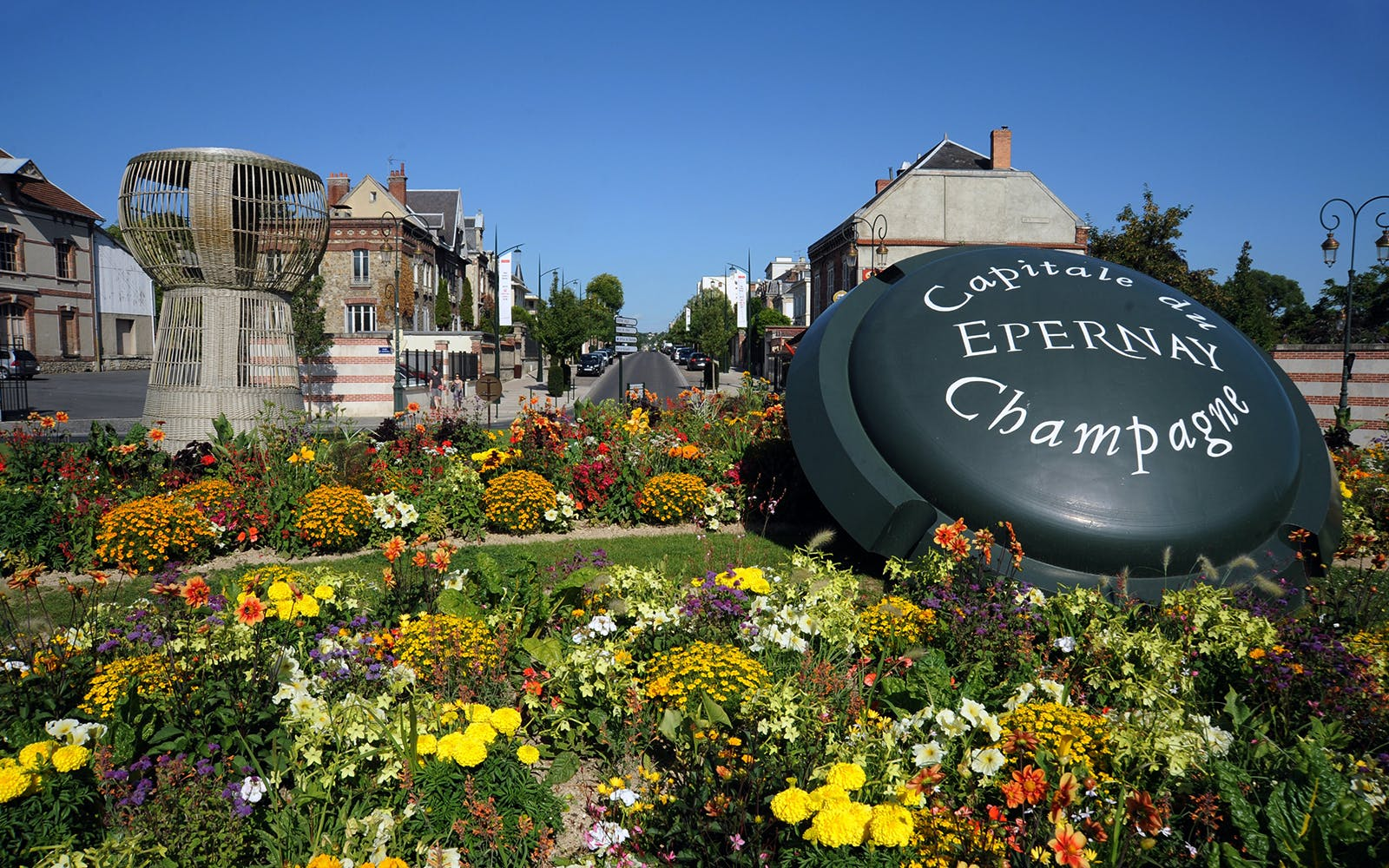 guided tour of the reims champagne region from paris with hotel pickup-3
