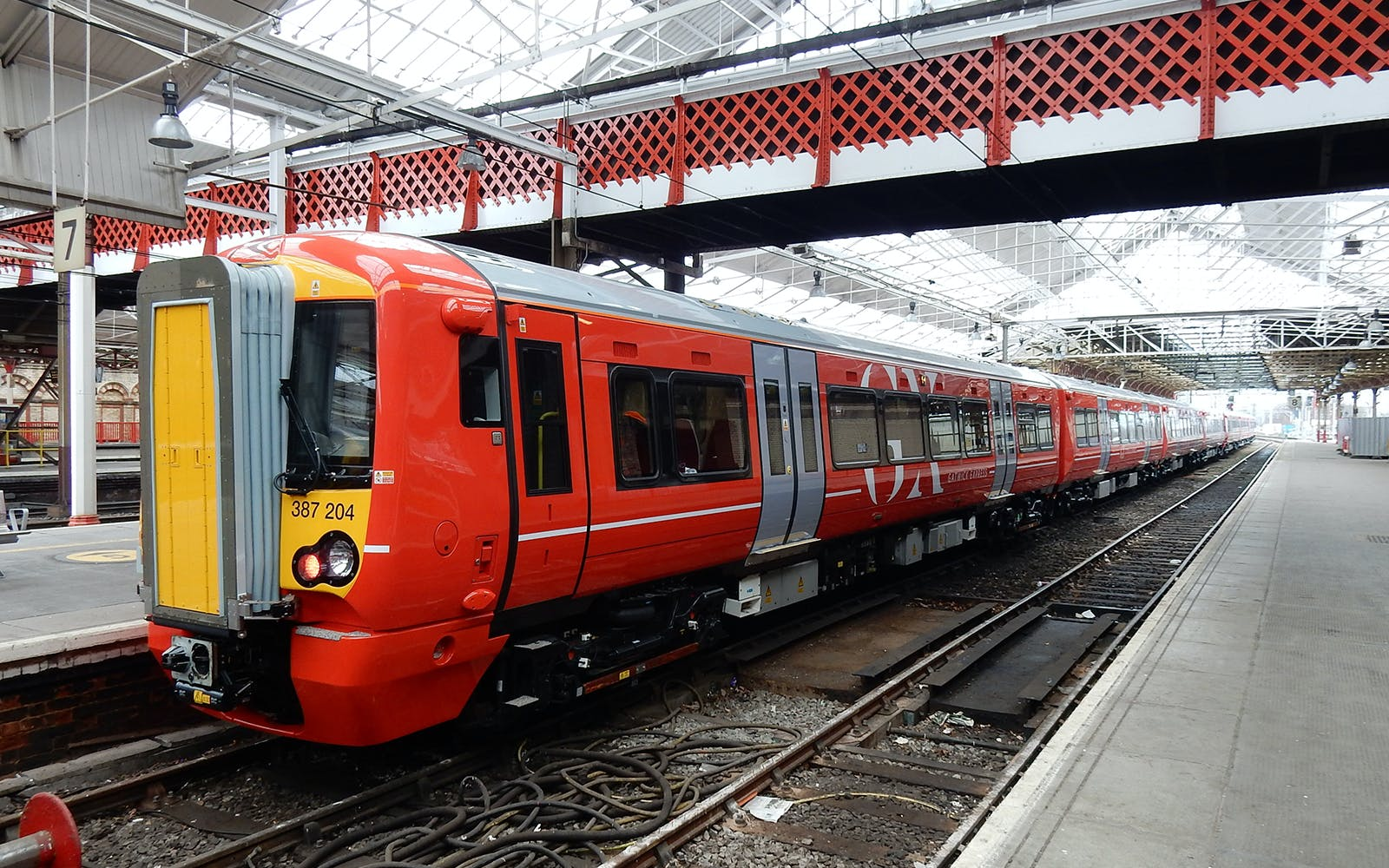 london gatwick express: superfast train to/from central london-1
