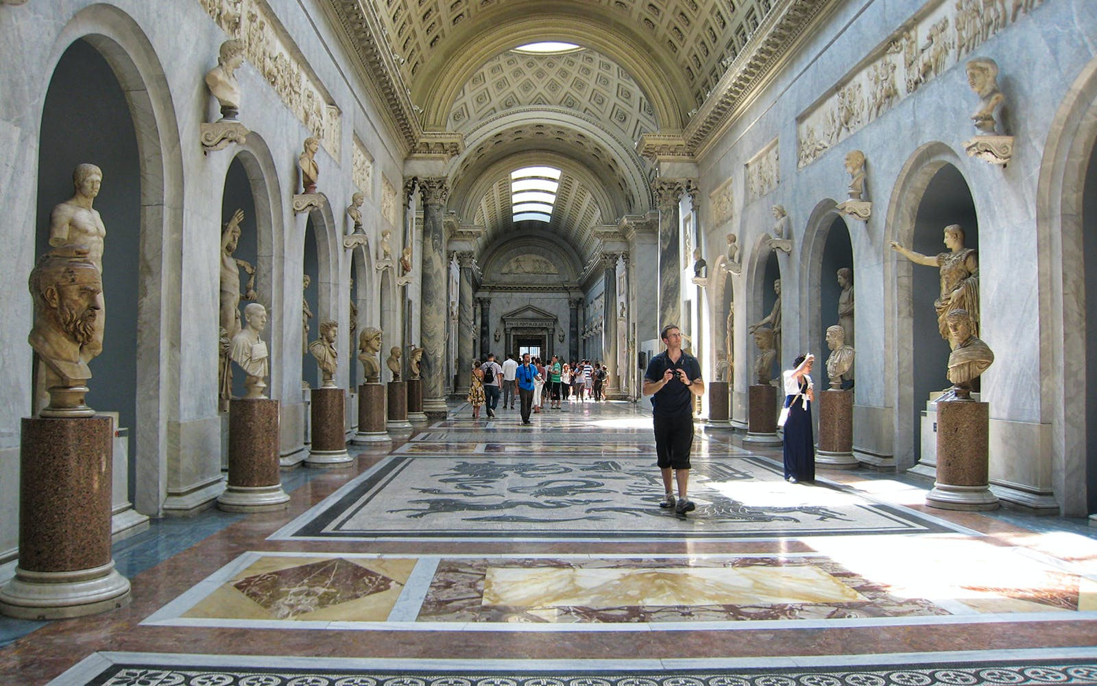 VIP Early Access Entrance with Breakfast at the Vatican Museums
