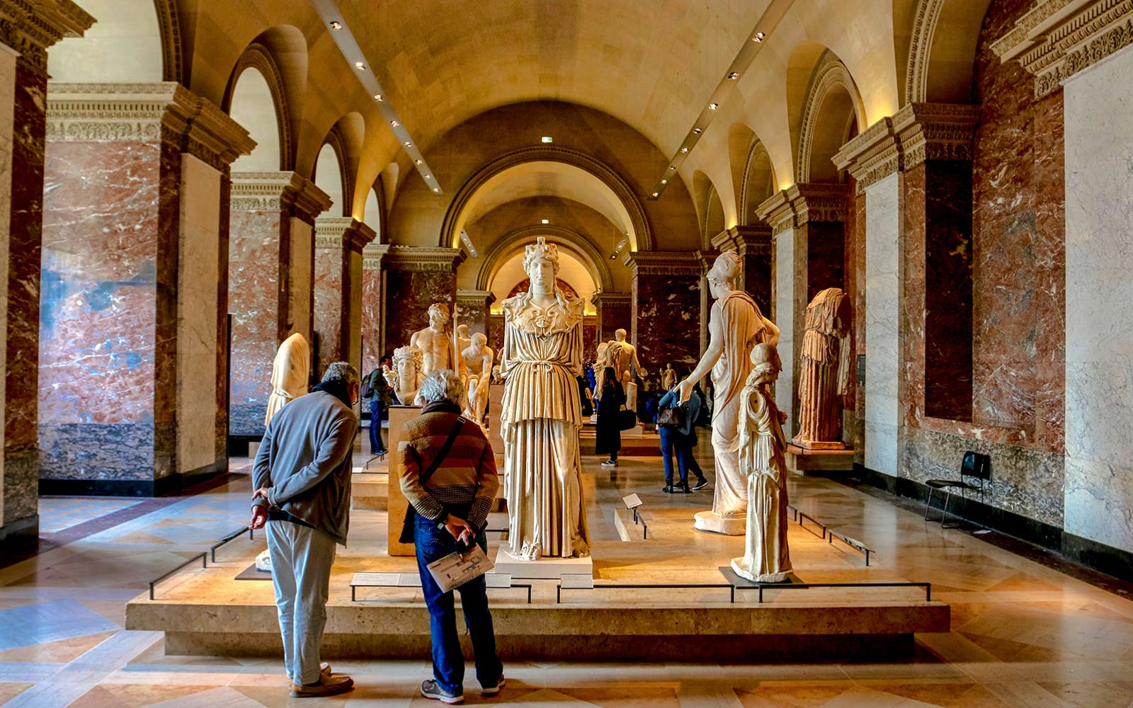 extended louvre masterpieces & royal palace group tour-3