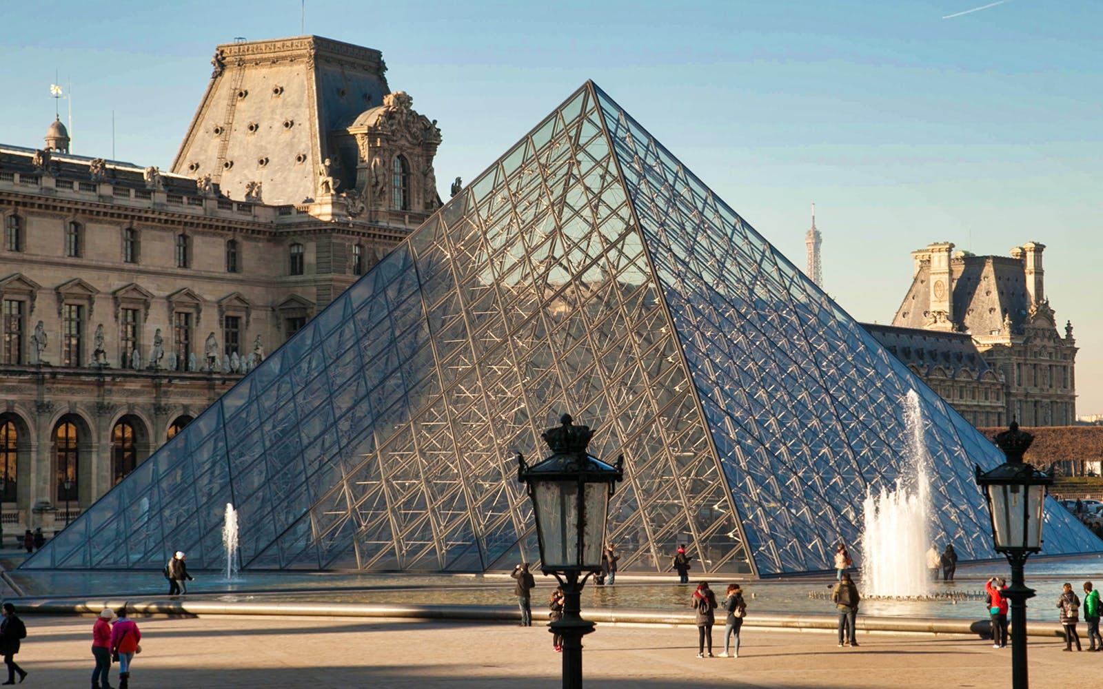 paris in november - louvre museum