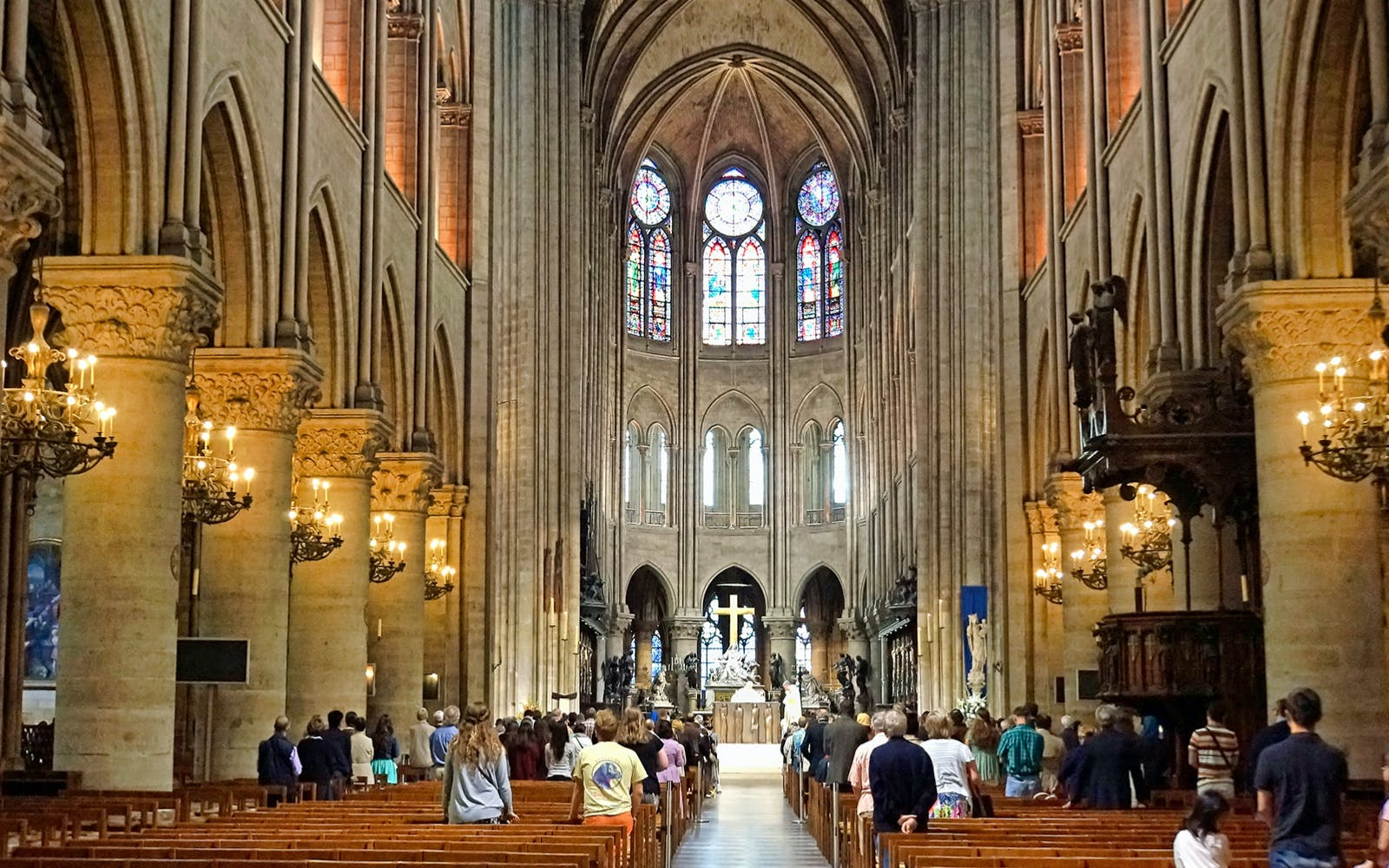 guided visit of notre dame, montmartre, louvre museum skip the line-2