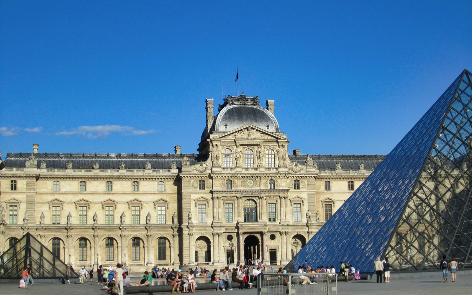 guided visit of notre dame, montmartre, louvre museum skip the line-4