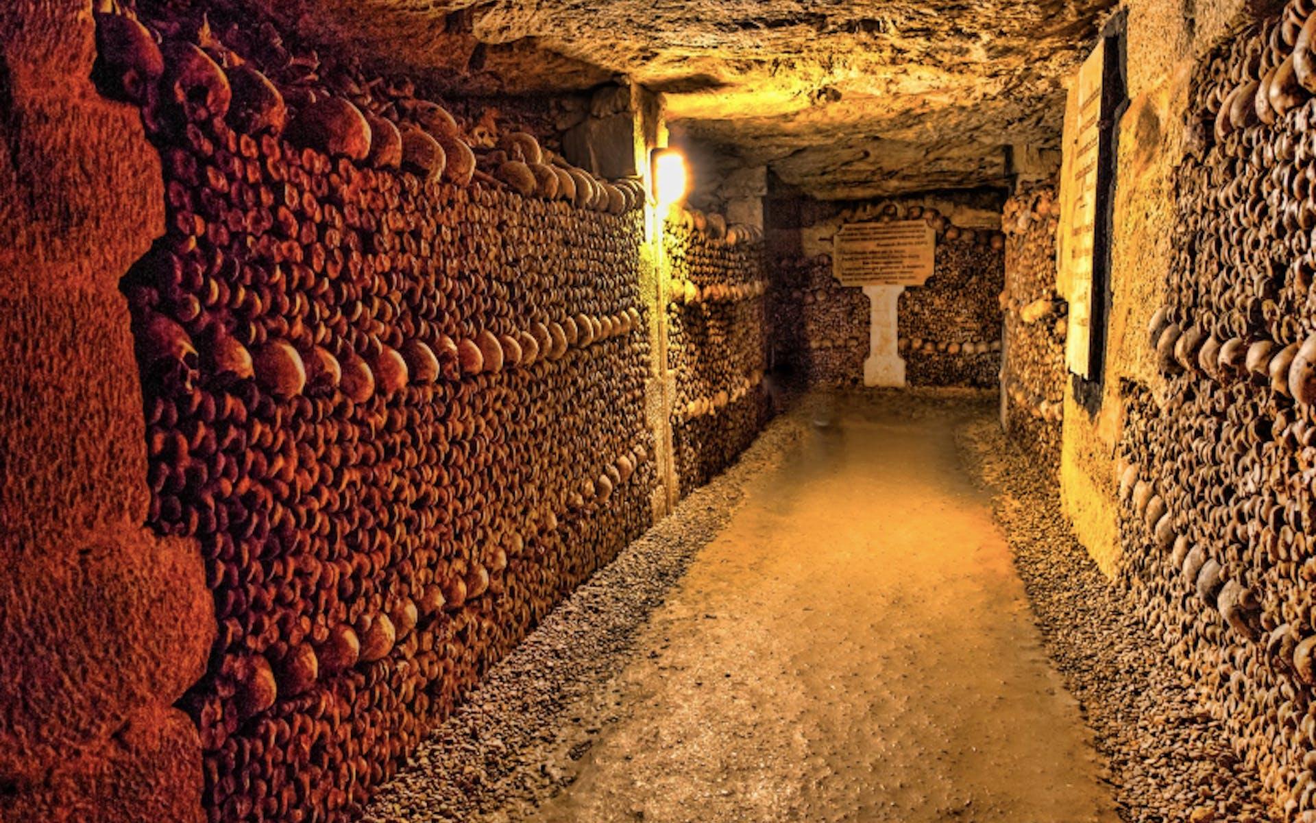 paris tour - catacombs