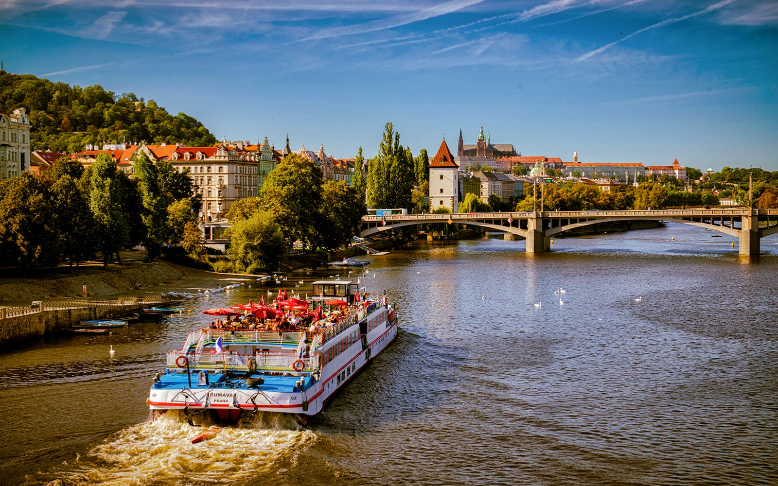 prague river lunch and sightseeing cruise-5