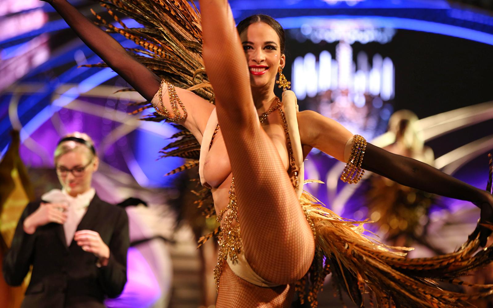Секс шоу с голыми ведущими, Голое ТВ Каталог эротического видео 15 фотография