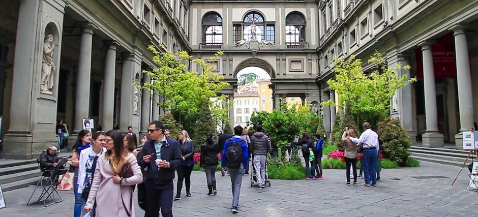 Morning Guided Tour of Uffizi and Accademia Galleries with Priority Access