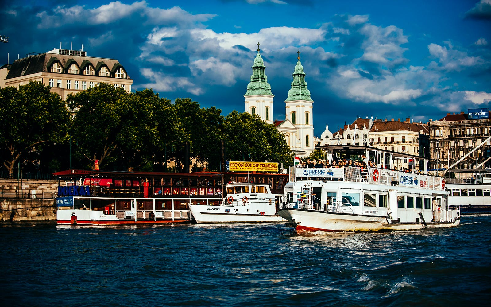 budapest river sightseeing cruise with drinks-2