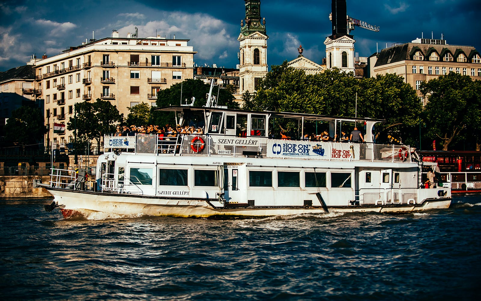 budapest river sightseeing cruise with drinks-3