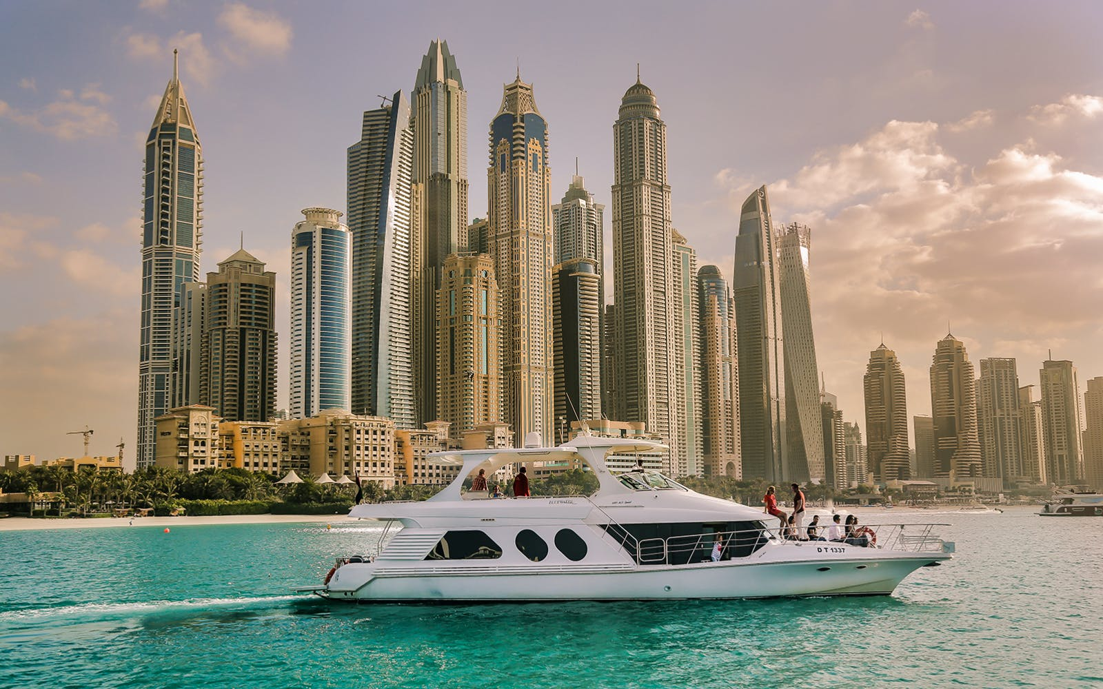 luxury shared yacht tour-4