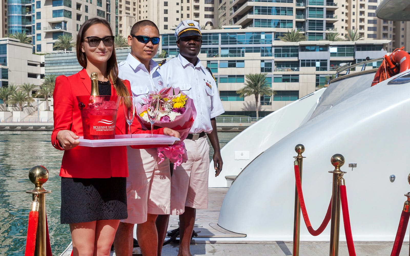 luxury yacht guided tour with food - dubai marina-3