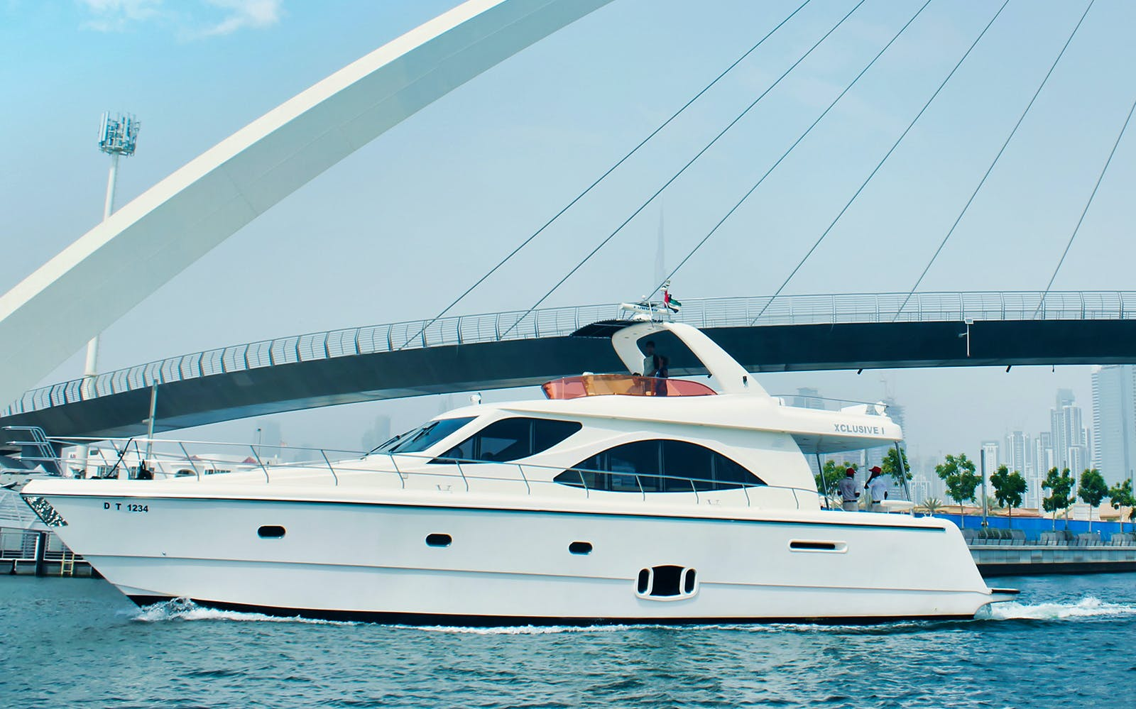luxury yacht guided tour with food - dubai marina-2