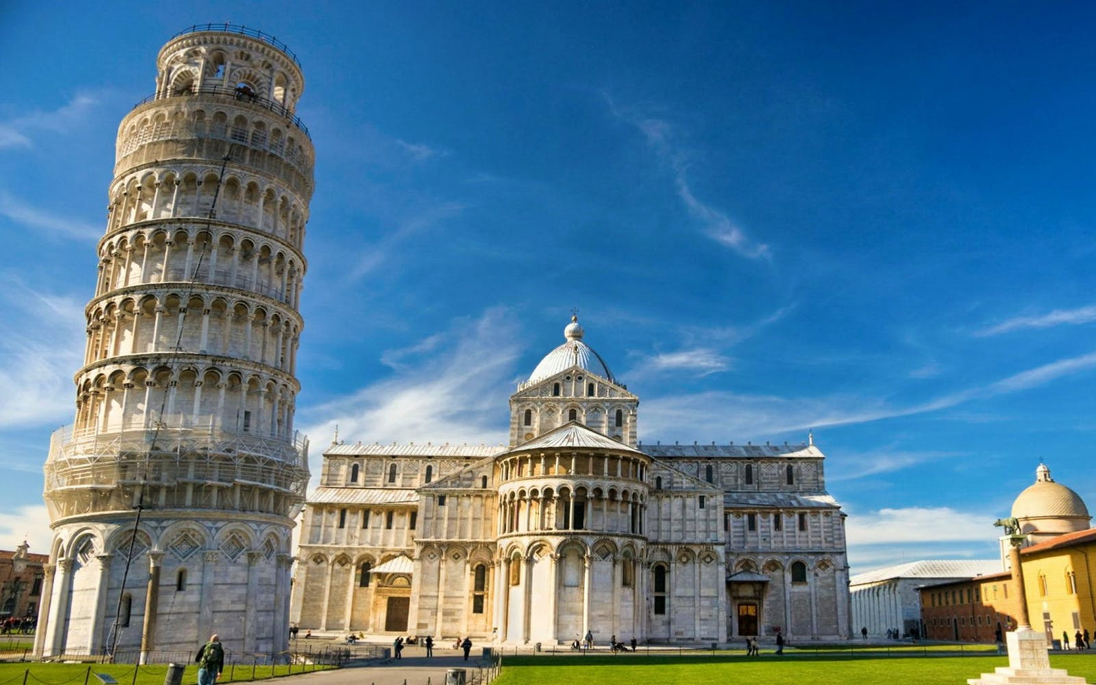 Half Day Guided Tour of Pisa Through the Tuscan Countryside