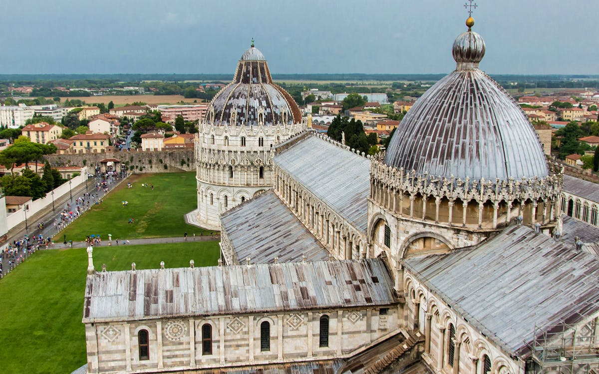 full day guided tour of pisa, lucca and forte dei marmi-1