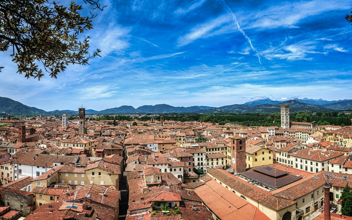 full day guided tour of pisa, lucca and forte dei marmi-2