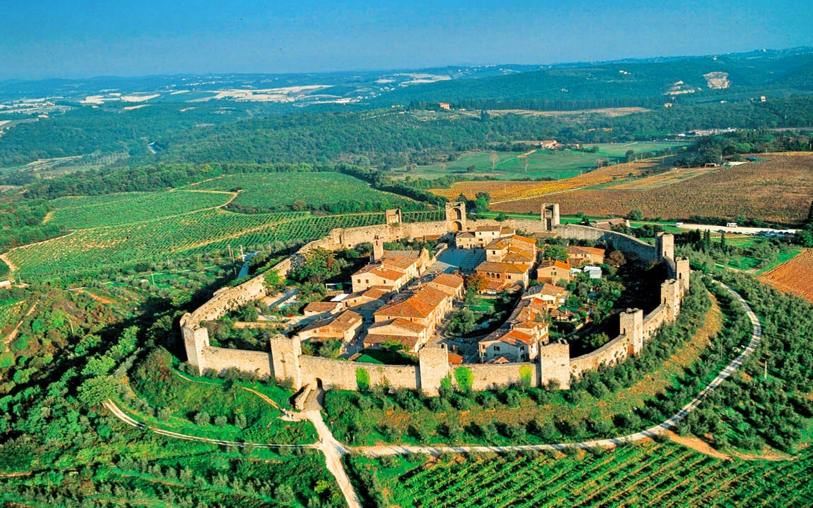 Full Day Tour of San Gimignanao, Siena, Monteriggioni and Pisa with Lunch and Transfers
