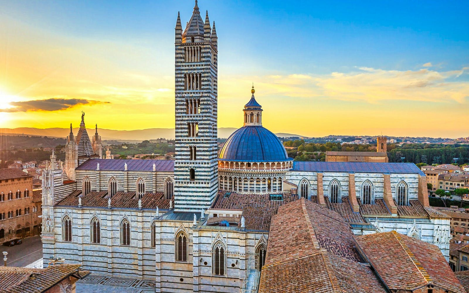 Tuscany Day Tour with Tuscan Lunch and Wine Tasting