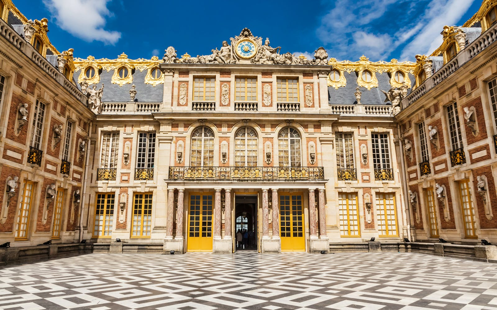 full day guided tour of castles of fontainebleau & vaux le vicomte from paris-2