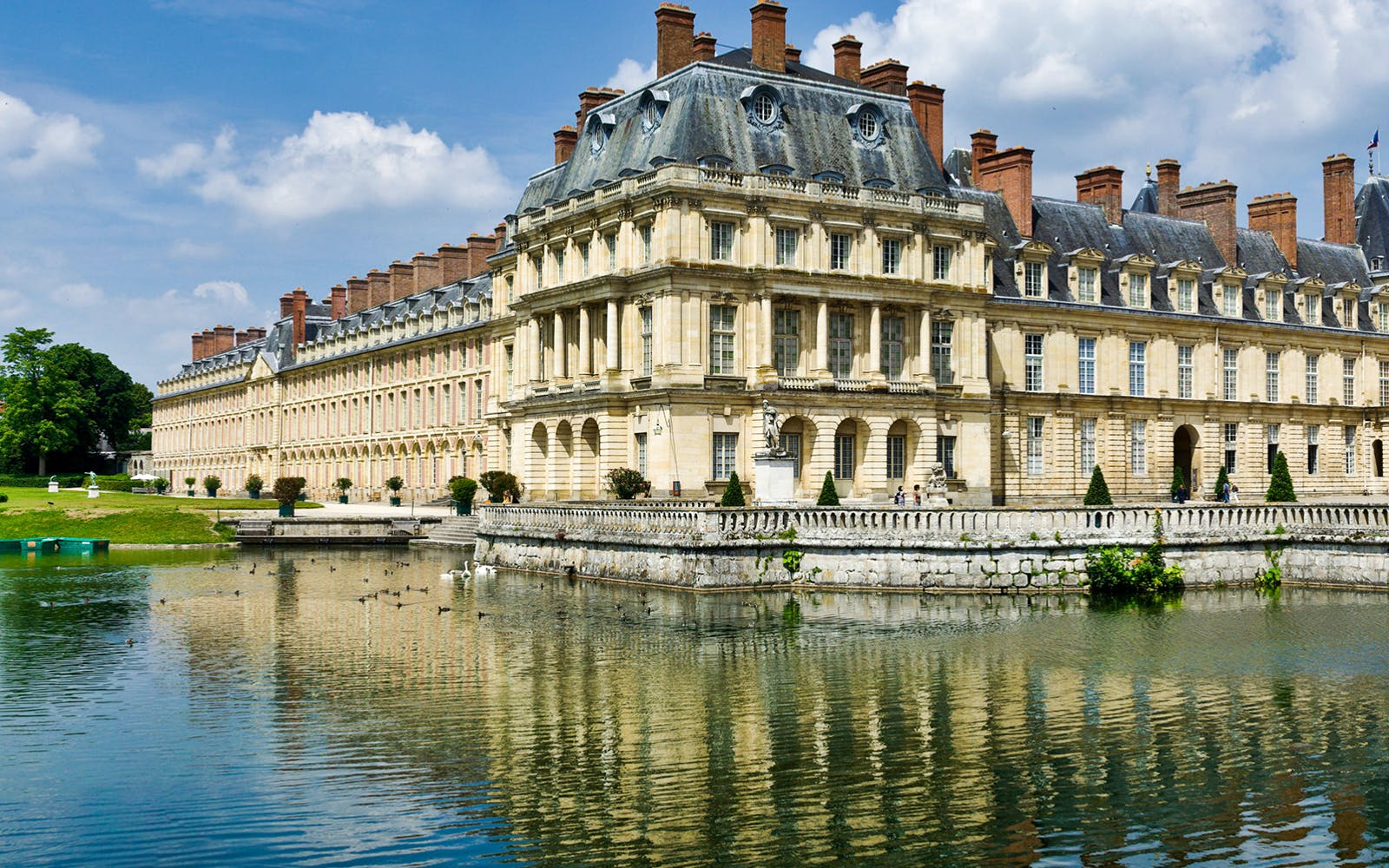 full day guided tour of castles of fontainebleau & vaux le vicomte from paris-3