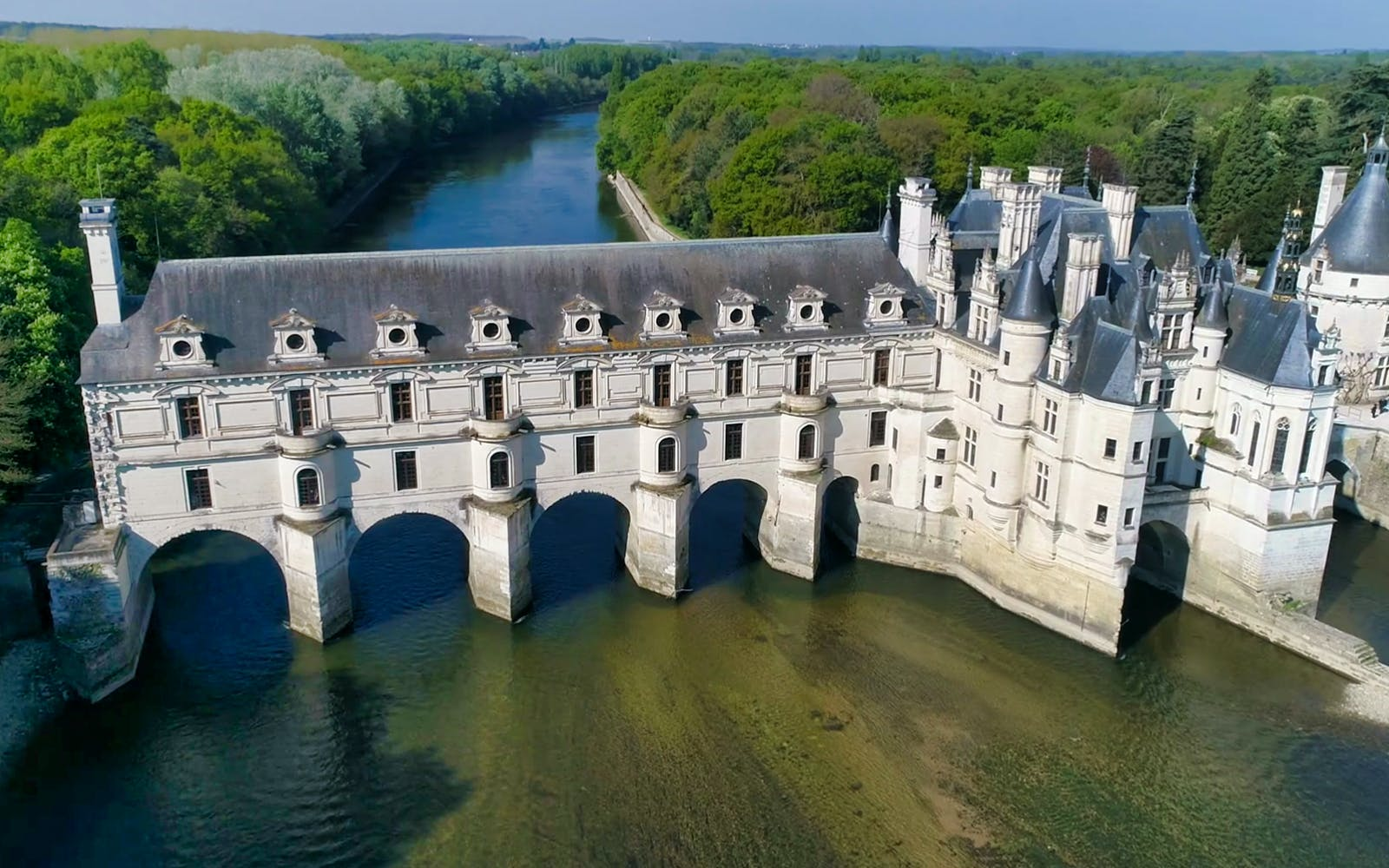 full dayguided tour of the loire valley châteaux and wine tasting-3