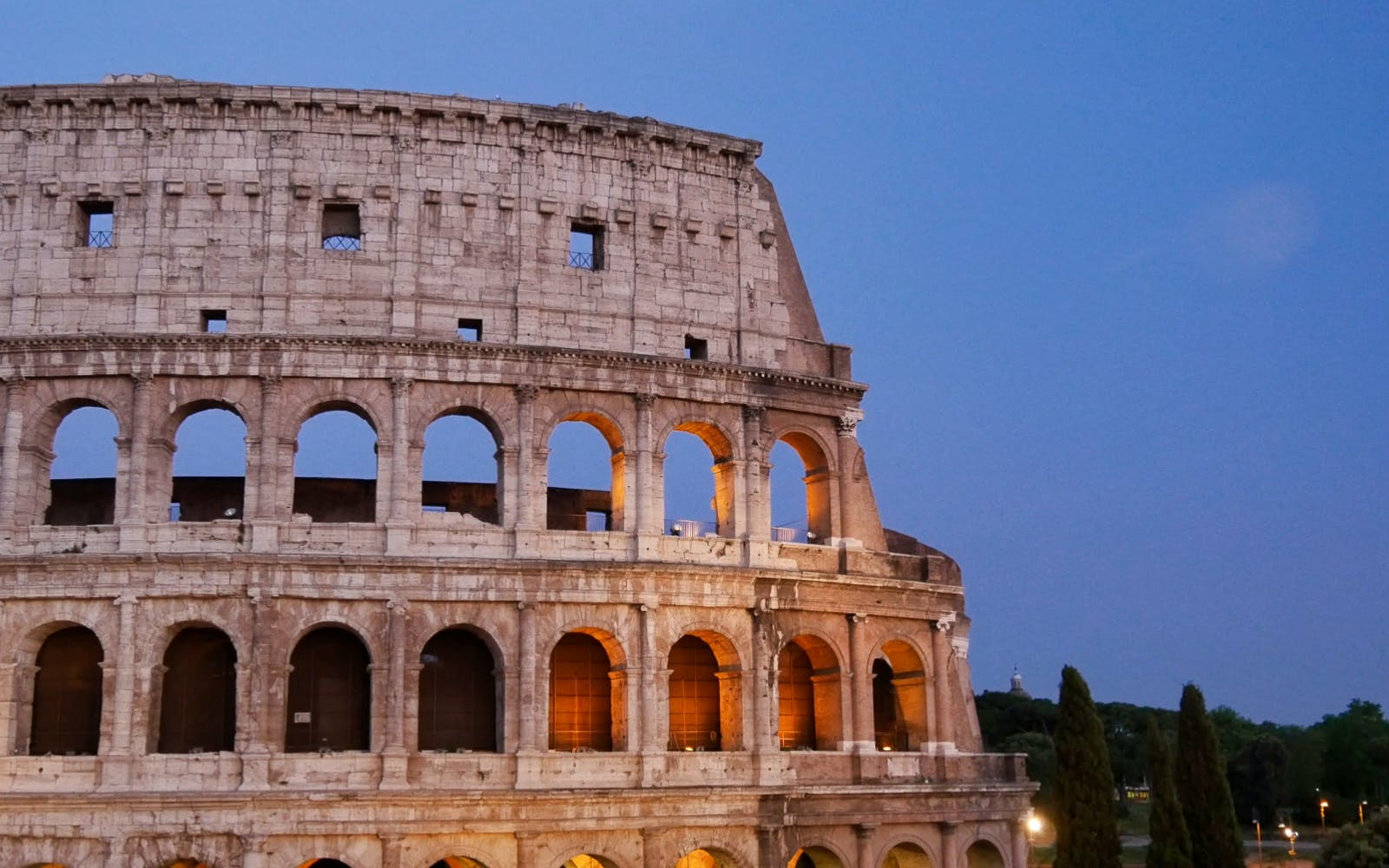 Colosseum Skip the Line & Sightseeing Hop on Hop Off Bus Tour