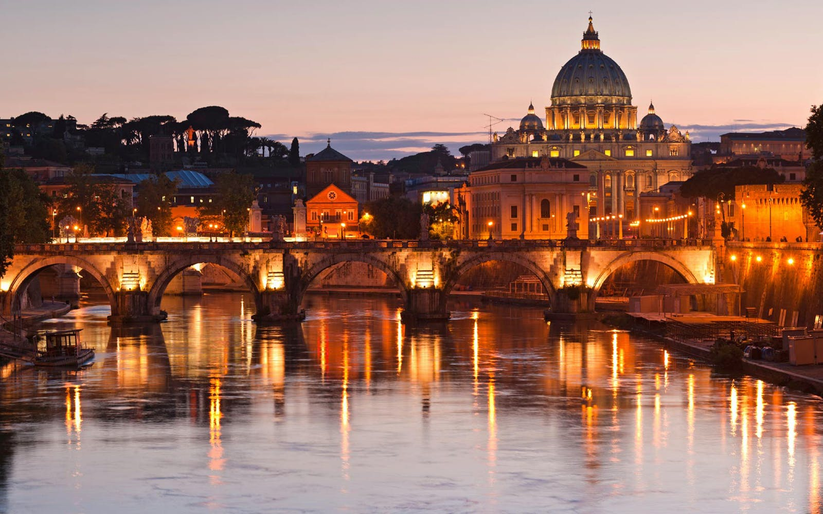 Romantic Rome Night Bus Tour with Dinner