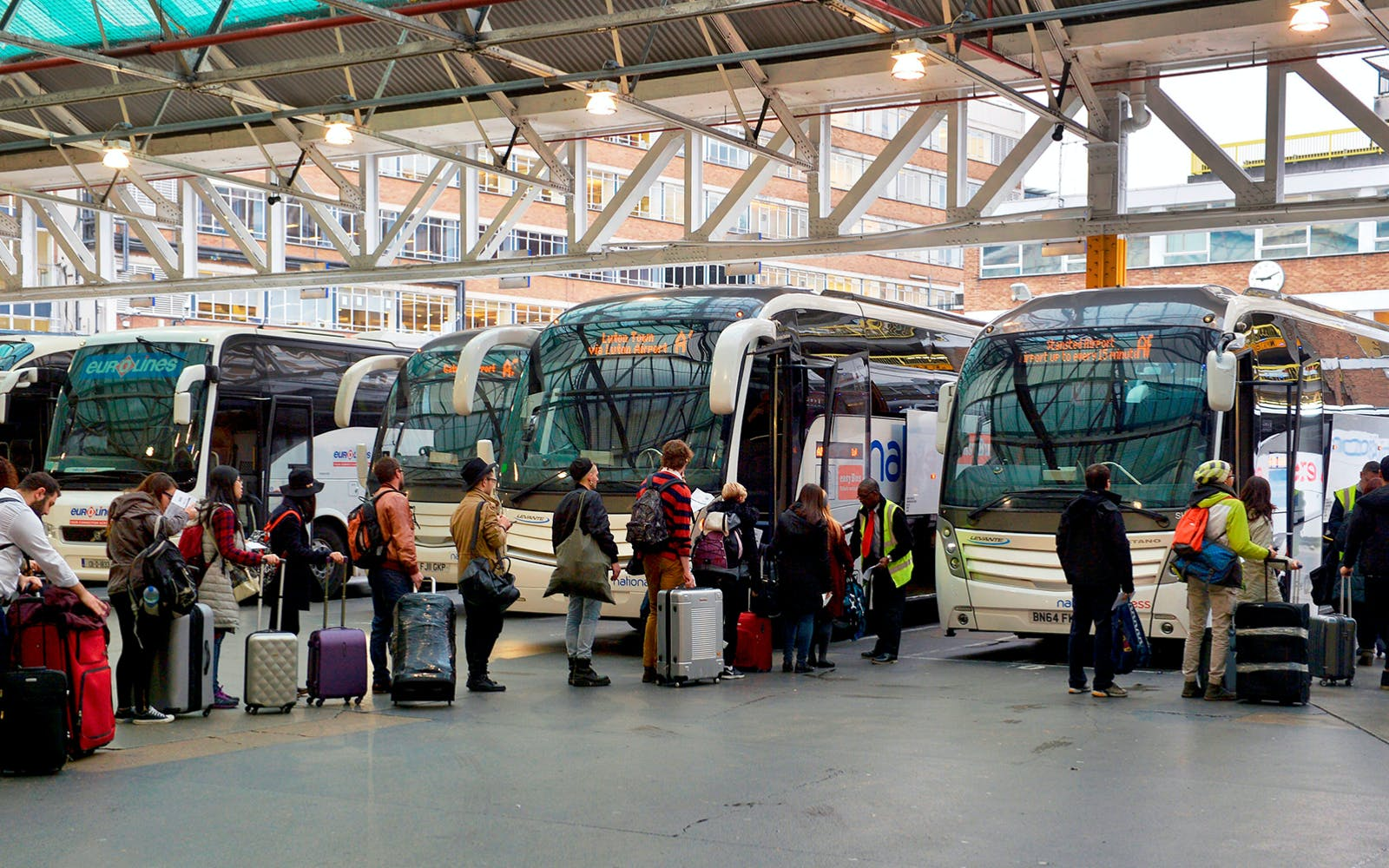 Stansted Airport to Victoria Station Bus Transfers