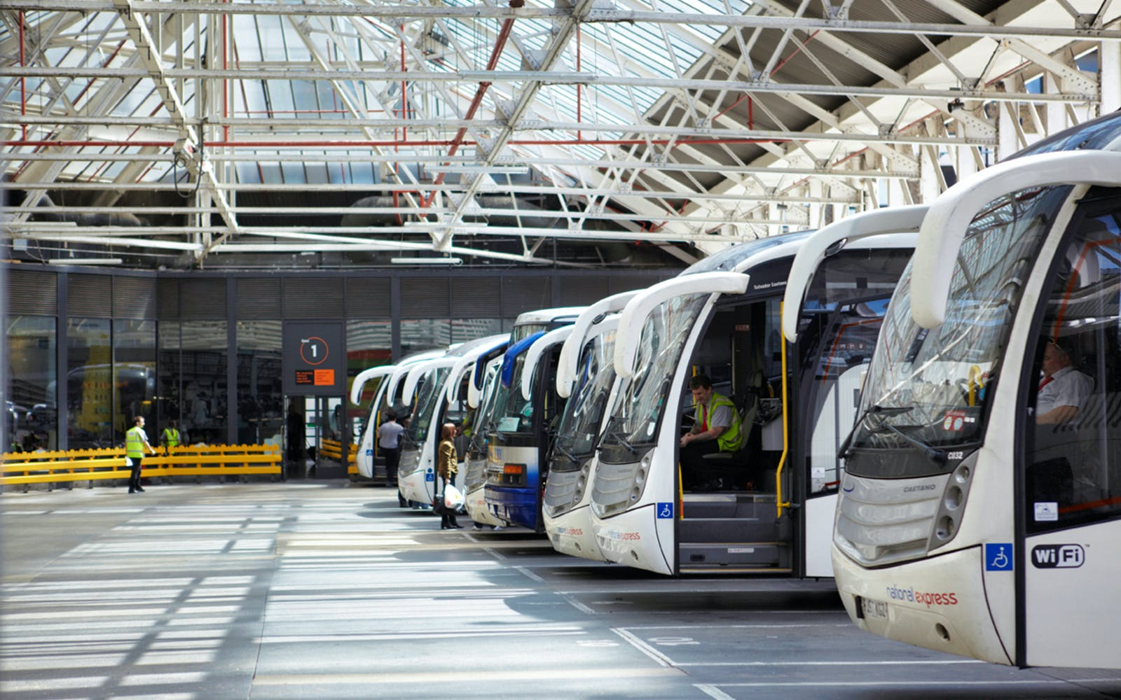 stansted airport to liverpool station bus transfers-4