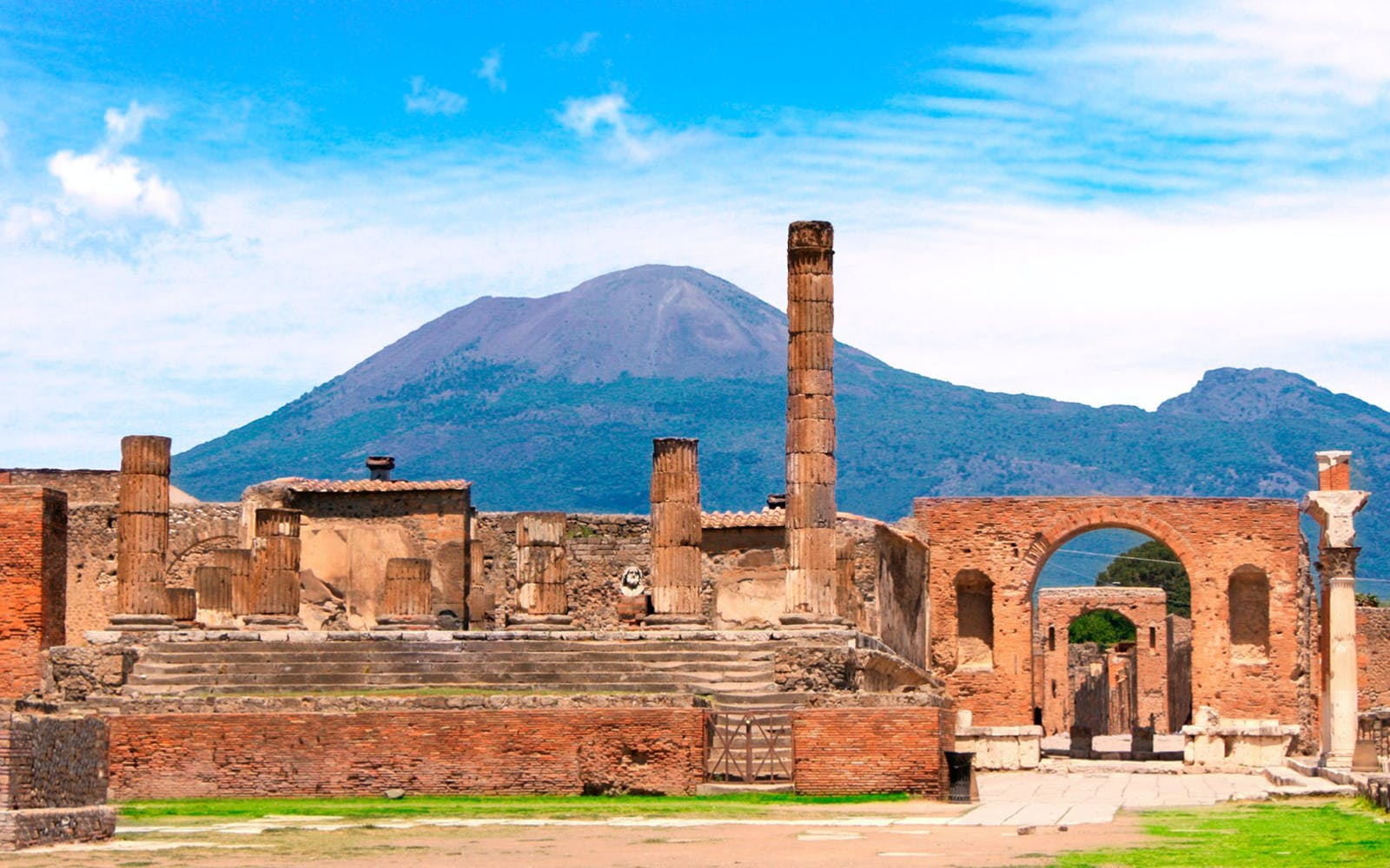 Skip the Line Access to Pompeii with Transfers