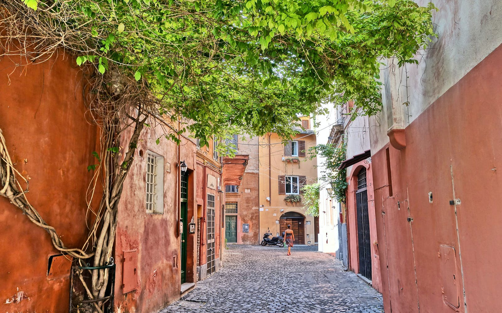 Explore Trastevere with a Local!