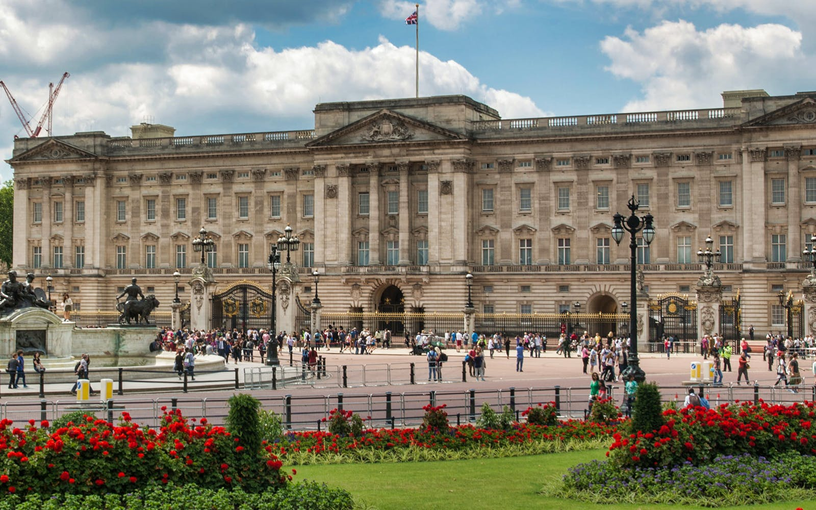 buckingham palace tickets with 24 hrs hop on hop off bus tour-1