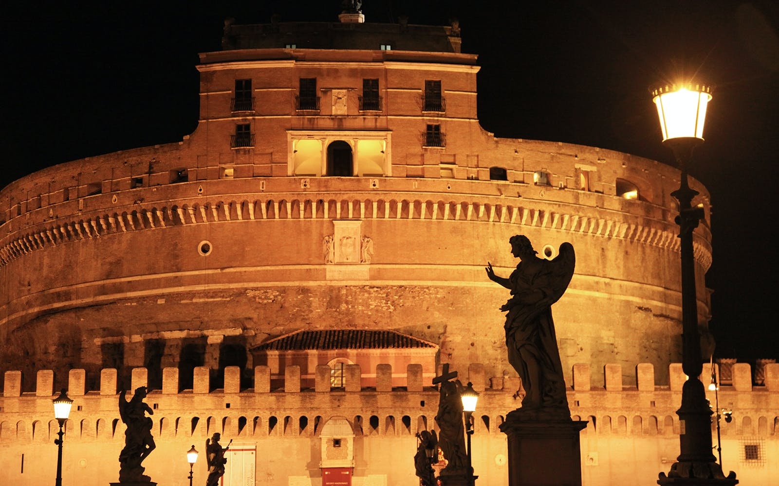 rome ghost and mystery night walking tour-1
