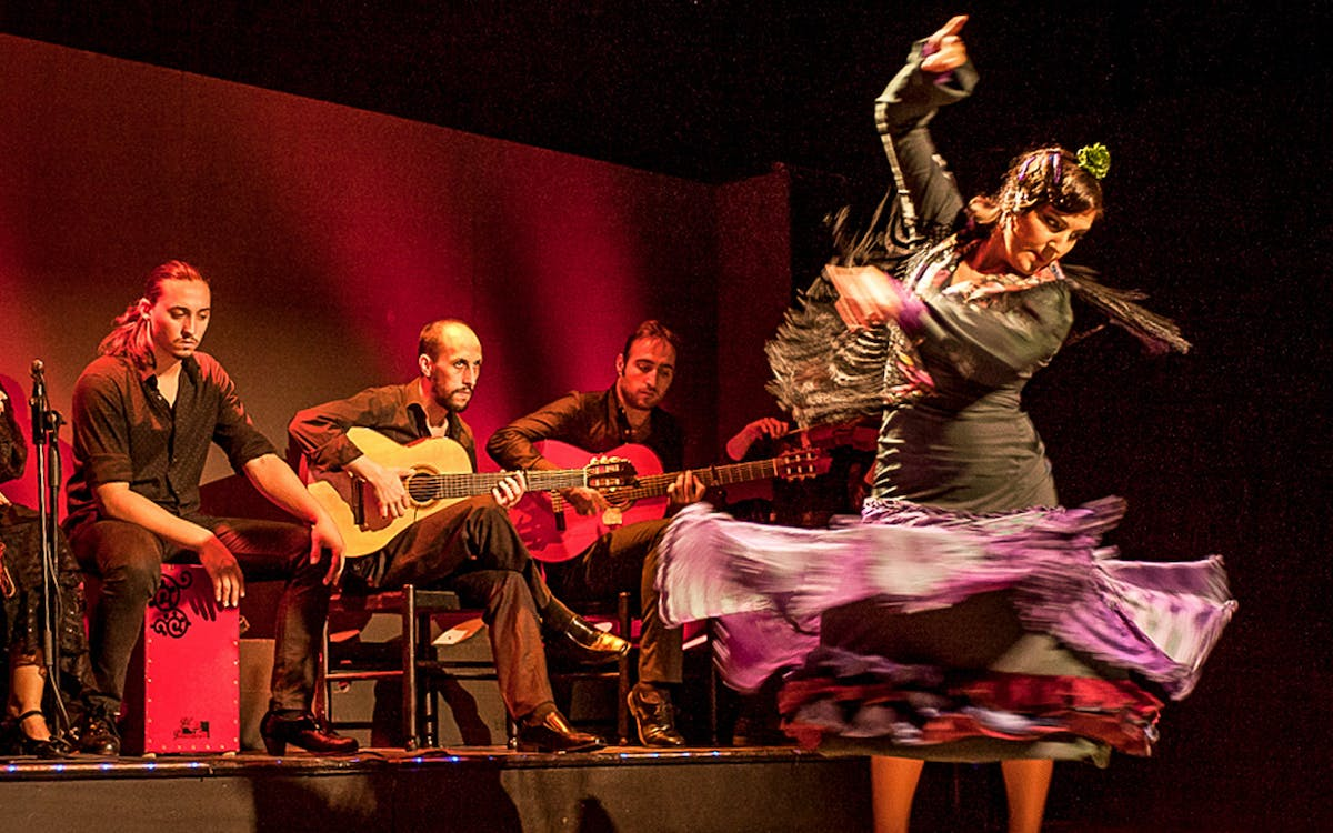 flamenco show with drink-1